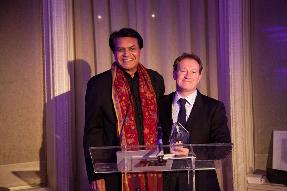 Mr. S.K. Modi with Mr. Simon Beaufoy, noted British screenwriter, who wrote the screenplay for the movie Slumdog Millionaire. Mr. Simon Beaufoy was presented the Modi Creative India Award in London on the 7th of November 2013.